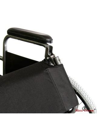 Инвалидная коляска стальная FS 874 B-51